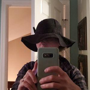 Mint by Goorin bucket hat